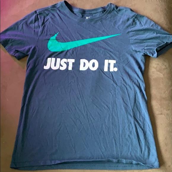 nike t shirt clearance